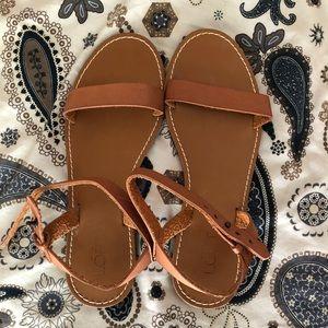 🆕 Ann Taylor Loft — Tan leather sandal